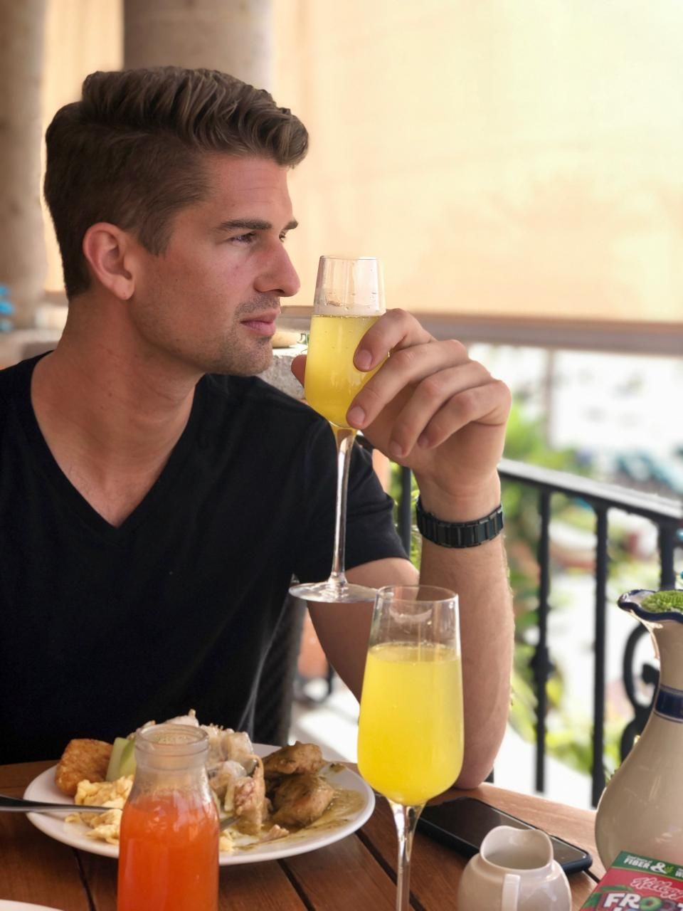 All you can drink Mimosas!