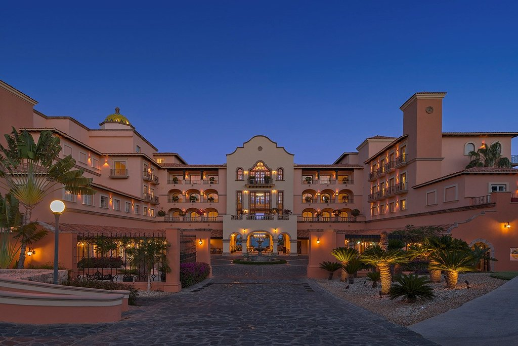 The Sheraton Grand Los Cabos is truly grand.